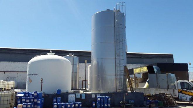 Silos de ácido-nitrico 70.000 lts para 100.000 kg